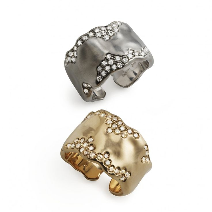White and rose gold rings with diamonds by Antonini
