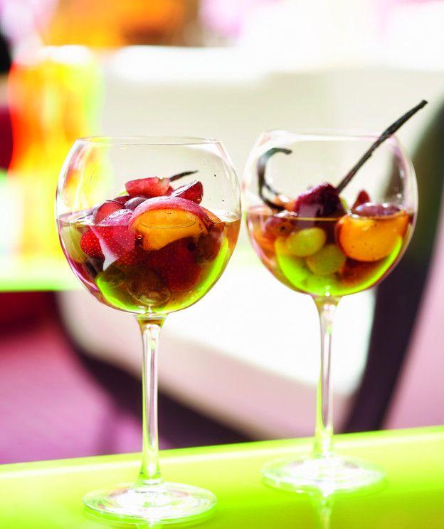 Κομπόστα με καλοκαιρινά φρούτα