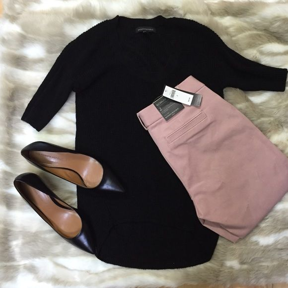 """NWT Banana Republic Crop Pants. NWT Banana Republic Crop Length Pants. Gorgeous Dusty Rose Color. Sloan Fit (skinny). So easy to wear with different tops for the office. 27"""" inseam. Banana Republic Pants Ankle & Cropped"""