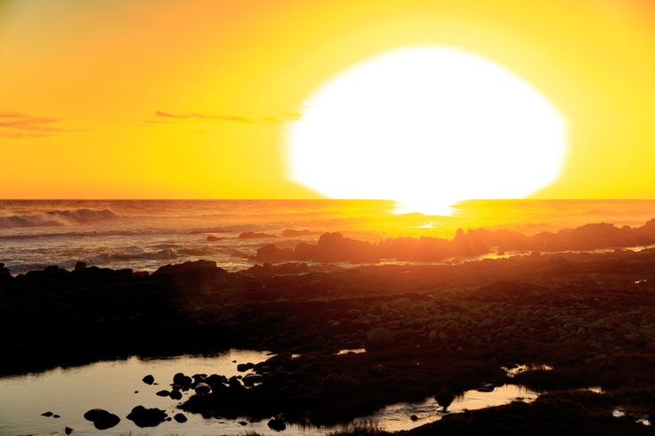 Atomic Cloud Skoenmakerskop is a small village in Nelson Mandela Bay, southwest of the promontory on which Port Elizabeth stands, 8 km west of Chelsea Point.