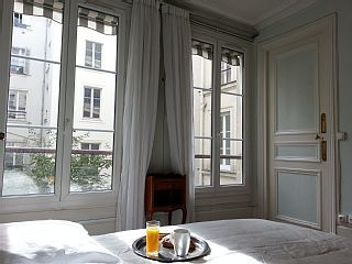 Paris 2 Bedrooms Steps From LouvreHoliday Rental in .1st Louvre from @HomeAway UK