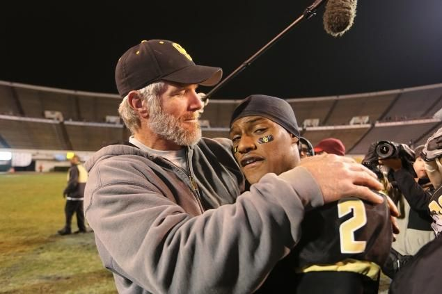 Official Website of Brett Favre » News » BRETT FAVRE AND HIS HIS OAK GROVE WARRIORS ARE MISSISSIPPI DIV. 6A STATE CHAMPIONS!!