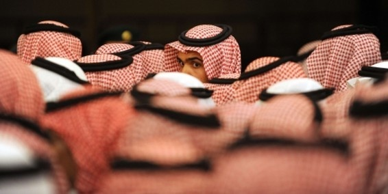 Jóvenes mujeres saudíes vestidas de hombre: un fenómeno en aumento