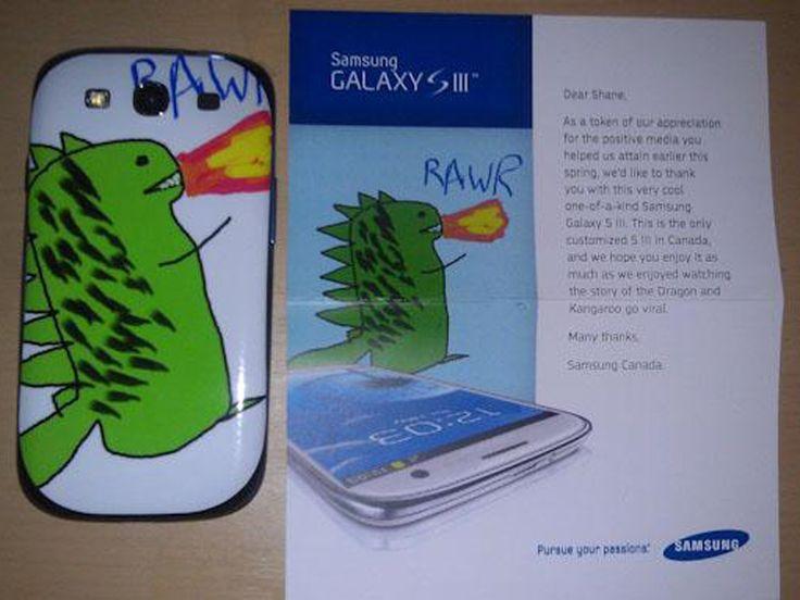 Samsung Mobile envia un Galaxy SIII personalizado a un cliente que les envió un dibujo de un dragon.