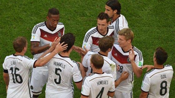 Una rete del difensore del Borussia Dortmund è sufficiente alla squadra di Loew per piegare gli uomini di Deschamps e centrare per la quarta volta di
