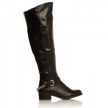 Cizme Sheeba  Cine nu isi doreste o pereche de cizme Sheeba? Calduroase si frumos decorate cu o catarama aflata la baza piciorului, aceste cizme sunt ideale pentru sezonul rece. Cizmele Sheeba au un model clasic, atemporal care cu siguranta te va face sa te simti foarte eleganta.