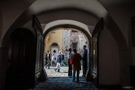 Výsledok vyhľadávania obrázkov pre dopyt kapitulská ulica bratislava