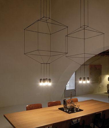 Schitterend ontwerp, de Wireflow hanglamp van Vibia Lighting Heel subtiel en toch volumineus. Prachtig!