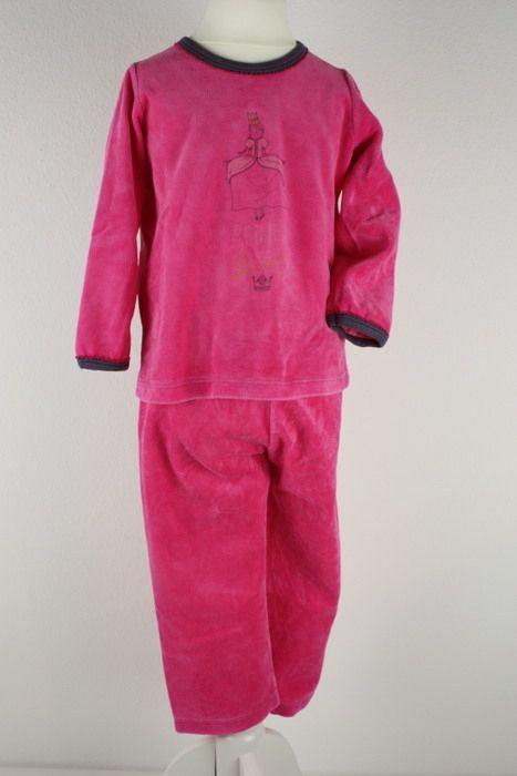Mein Petit Bateau Schlafanzug Pyjama Pink Nicki Velour Gr94 3 Jahre von Petit Bateau! Größe 98 für 18,40 €. Schau´s dir an: http://www.mamikreisel.de/kleidung-fur-madchen/zweiteilige-schlafanzuge/34082577-petit-bateau-schlafanzug-pyjama-pink-nicki-velour-gr94-3-jahre.