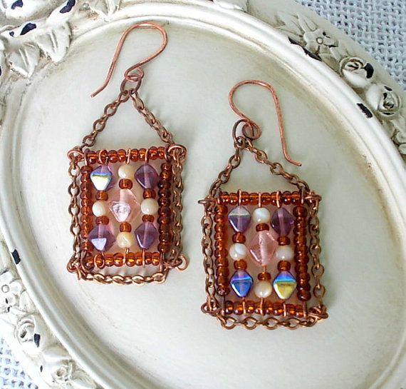 Orecchino mosaico pendente quadrato con perle di di Candylostile