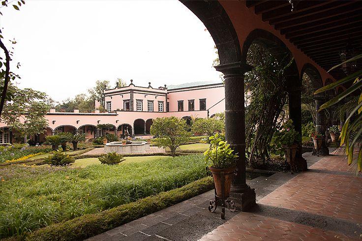 Hacienda de San Antonio Mexico. #weddingvenuesmexico #colonialplaces #haciendasenmexico #myweddinginmexico