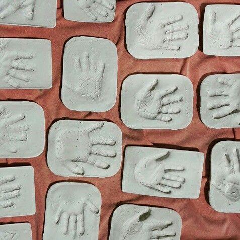 Handabdrücke in Gips  ...zum Muttertag mit kleinem Gedicht;)