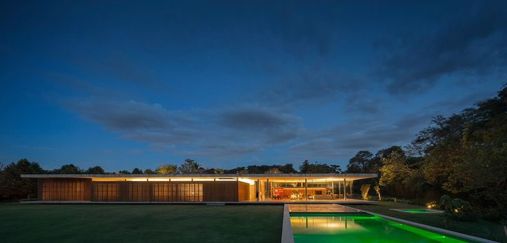 Casa Redux by Studio MK27: Minimalist Brazilian house that appears to float above the ground   10 Stunning Homes