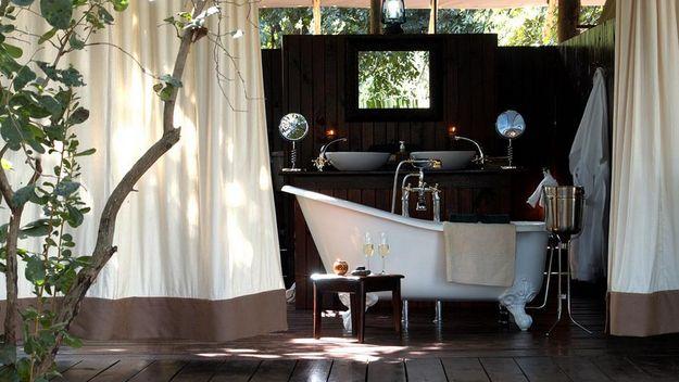 Una bañera al aire libre