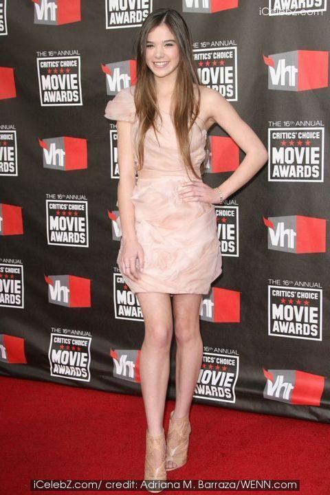 16th Annual Critics' Choice Awards held at the Hollywood Palladium - Arrivals Hailee Steinfeld photo