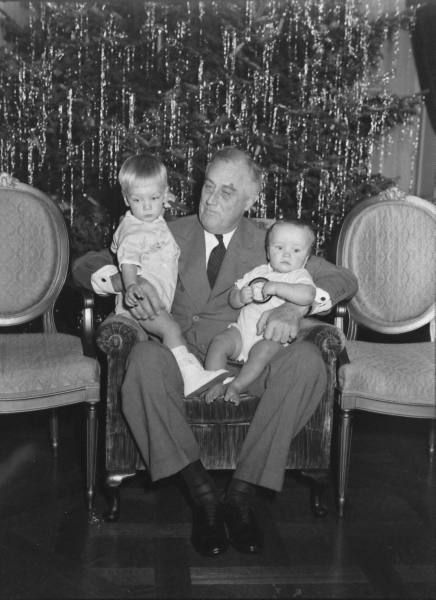 Franklin D. Roosevelt with family at Christmas, 1939.