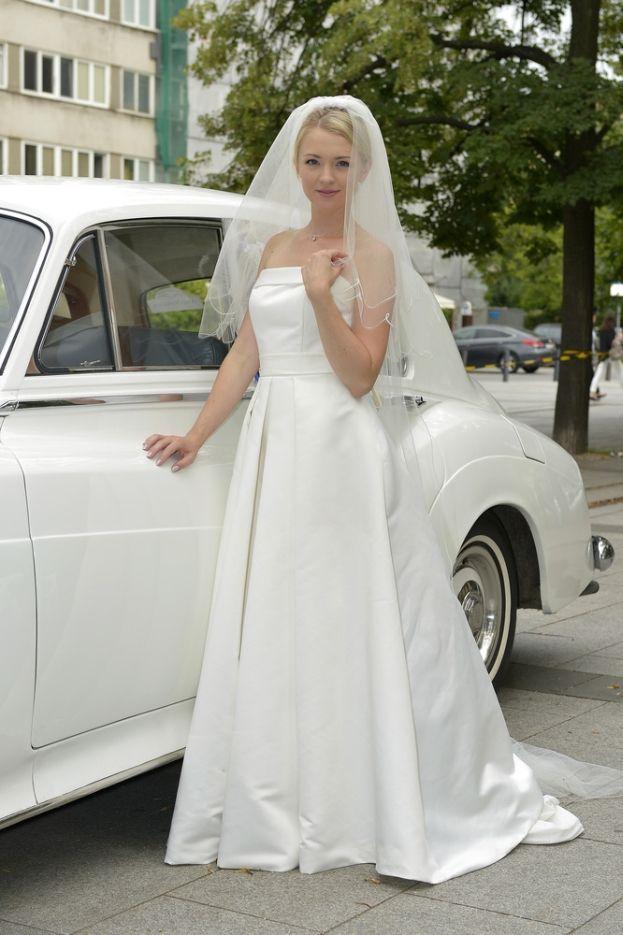 Kurdej-Szatan w sukni ślubnej! (ZDJĘCIA)