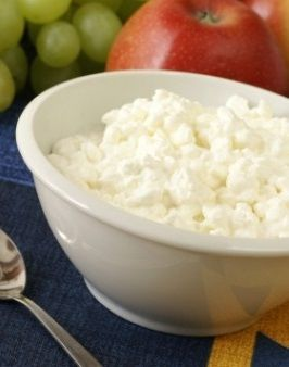 One cup of 1% cottage cheese has more protein and less fat than a serving of lean beef or chicken. Have it as a snack or with a meal for testosterone-boosting potential.