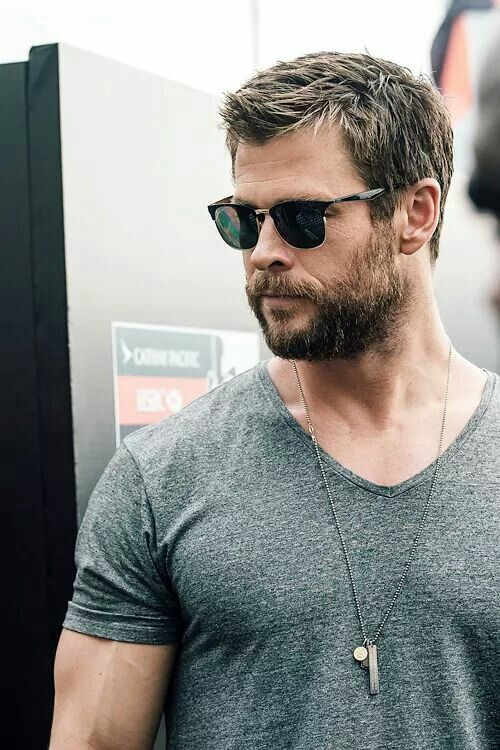 chris hemsworth hair style best 25 chris hemsworth ideas on 6547 | 6ed972083532bbff66eaa1a408c43256 chris hemsworth beard chris hemsworth style