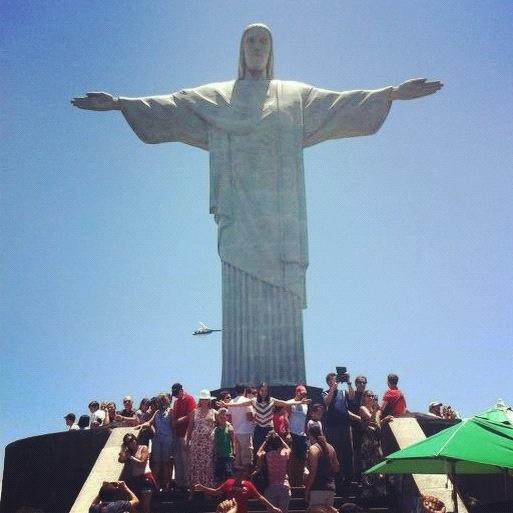 Braços abertos sobre a Guanabara  #cristoredentor RJ