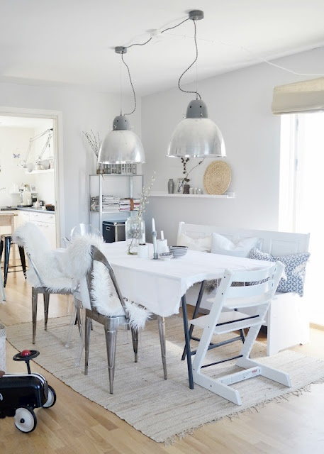 DININGROOM: Metalwashed chairs, furry blakets, white painted bench with white and one black & white pillowcase, the blue & white bowls, hide my ugly table with a fine white tablecloth