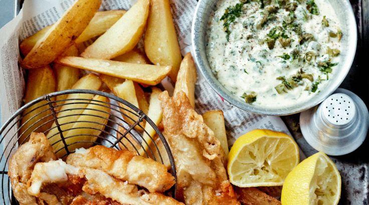 Het liefst eet je gefrituurde vis natuurlijk met een lekkere saus. Maak deze klassieke remouladesaus. Niet te verwarren met ravigotesaus.