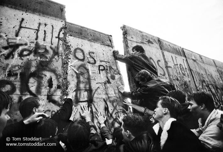tom stoddart photography the fall of the berlin wall on berlin wall id=79778