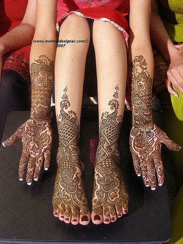 """This is henna but it's also """"doodling."""""""