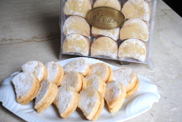 Biscoito Meia Lua Le Bonbon - Massa sablée recheada com mel.