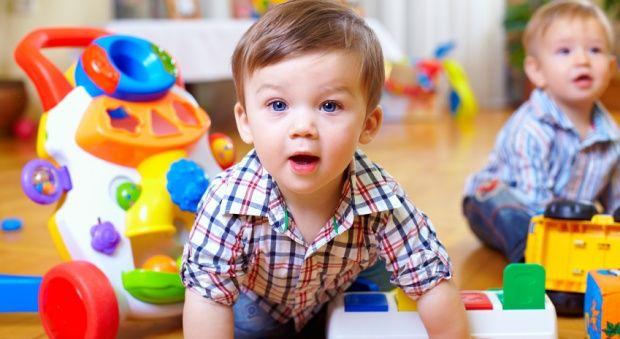 Καθαρίστε τα παιχνίδια του μωρού σας