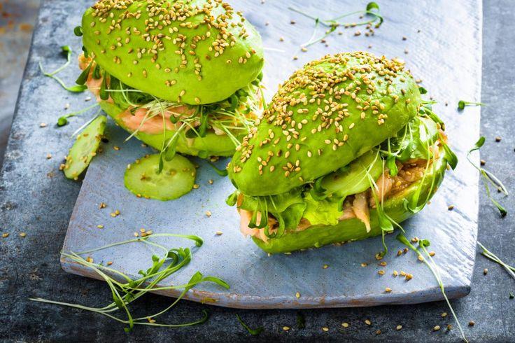 Pulled Salmon-Avocado-Burger