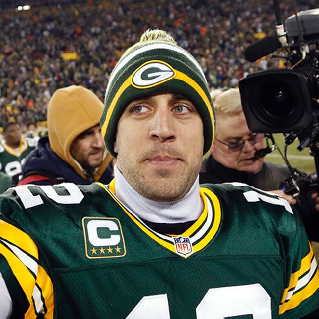 Twitter doesn't forget, so Aaron Rodgers owes a fan a year's salary