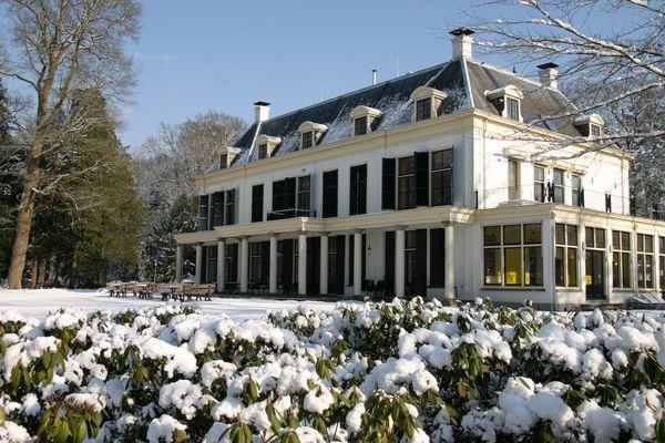 Het Landhuis in de Sneeuw