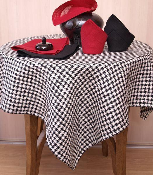Wyjątkowy obrus z pepitki lnianej czarno-białej. Idealnie komponuje się z czerwienią i czernią.