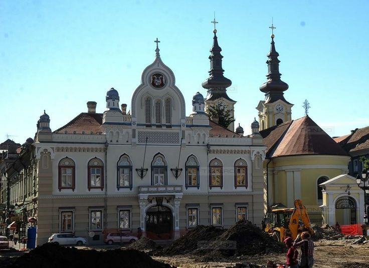 Bijuteriile Timisoarei: Fatada Vicariatului Sarbesc din Piata Unirii a fost renovata