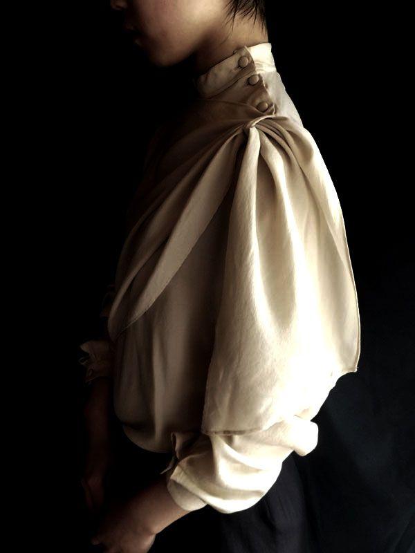 "donumjp: ""フランス・ブラウス・シルク・オフホワイト   M   Madame de Saint gil,ヴィンテージ1960 http://23eme.jp/?pid=90683517 """