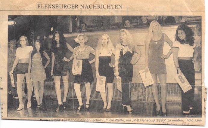 Nr 4 die Miss Wahl zur Miss Flensburg 1996 die Frisur !!! Wie Frauke Ludowig ;) und die viel zu helle Strumpfhose hihi definitiv ein Modefail - https://community.tchibo.de/?view=social