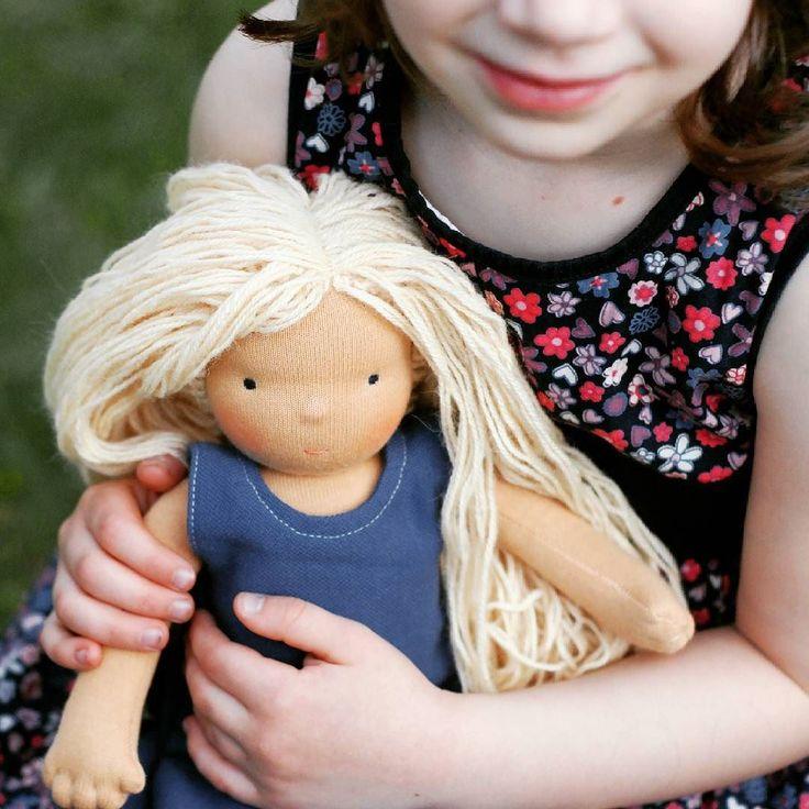 Our doll in the little hands.   . . . #waldorf #waldorfdoll #waldorfmom #handmadedoll #doll #dollsewing #steinerdoll #waldorfbaba #baba #handmade #handmadedoll #instadoll #instahun #etsyseller #etsy #naronka
