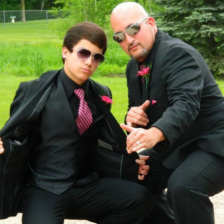 This was prom I didn't have a date but still went anyways btw,I'm on the left