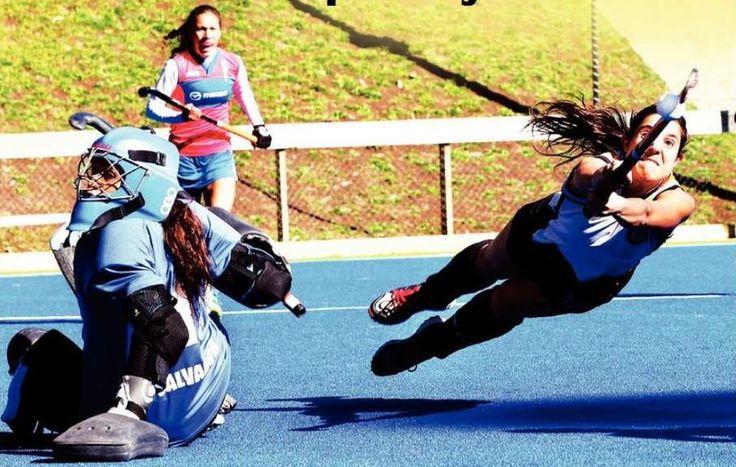 All for your team! Loreto Hirsch, field Hockey player Club Deportivo Alemán de Concepción, Chile. Todo por tu equipo! Field hockey, hockey cesped
