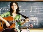 Hola amigos, aca les traigo un curso facil para aprender a tocar la guitarra. Esta hecho por mí, así que lo siento si hay faltas de ortografía... Estructura de la Guitarra Clásica. Bueno, si queremos aprender a tocar la guitarra tenemos que conocer... - aruli123