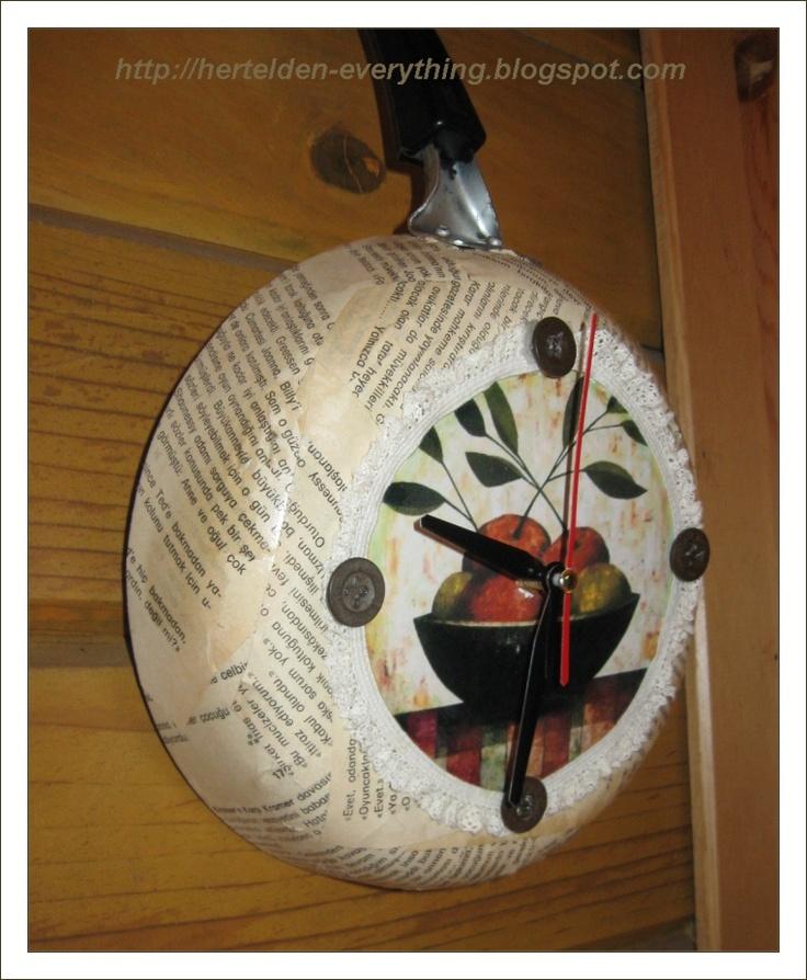 vintage wall clock - tava saat