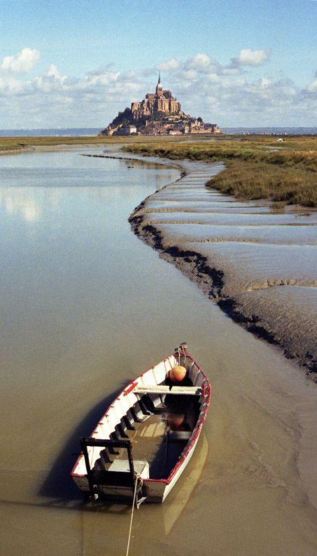Le Couesnon qui se jette dans la Baie du Mont St. Michel, France: Normandy France, Travel