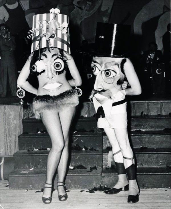 20 Incredibly Bizarre Vintage Halloween Costumes - New York City 1951