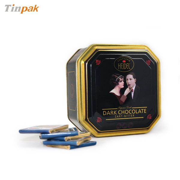 This octagon cookie tin canister looks good and feel good.