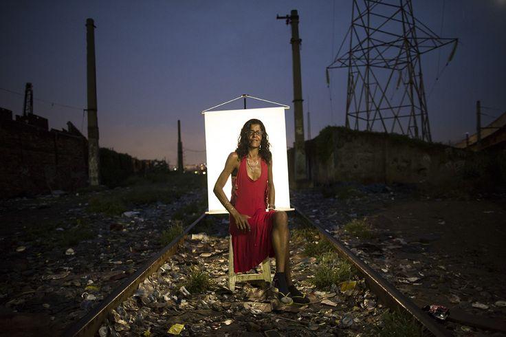 Felipe Dana (Rio de Janeiro, 1985) è un fotogiornalista brasiliano. È noto per aver documentato l'impatto sociale della Rio de Janeiro che si preparava ai Mondiali di calcio e che ancora si …cctm caracas