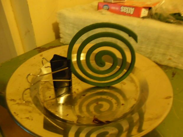DIY - The Mighty Mosquito Coil Holder - Uses Bulldog or Binder Clip