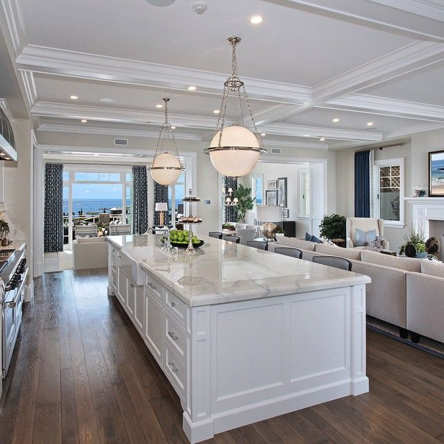 Let's gather around the island for Sunday brunch with a view #3320ocean