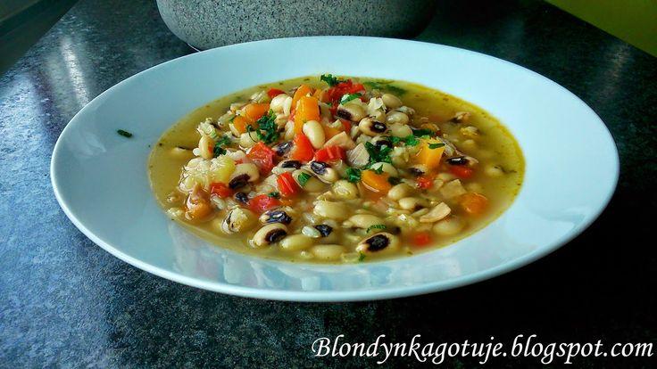 Zupa z Fasolą Czarne Oko i Brązowym Ryżem