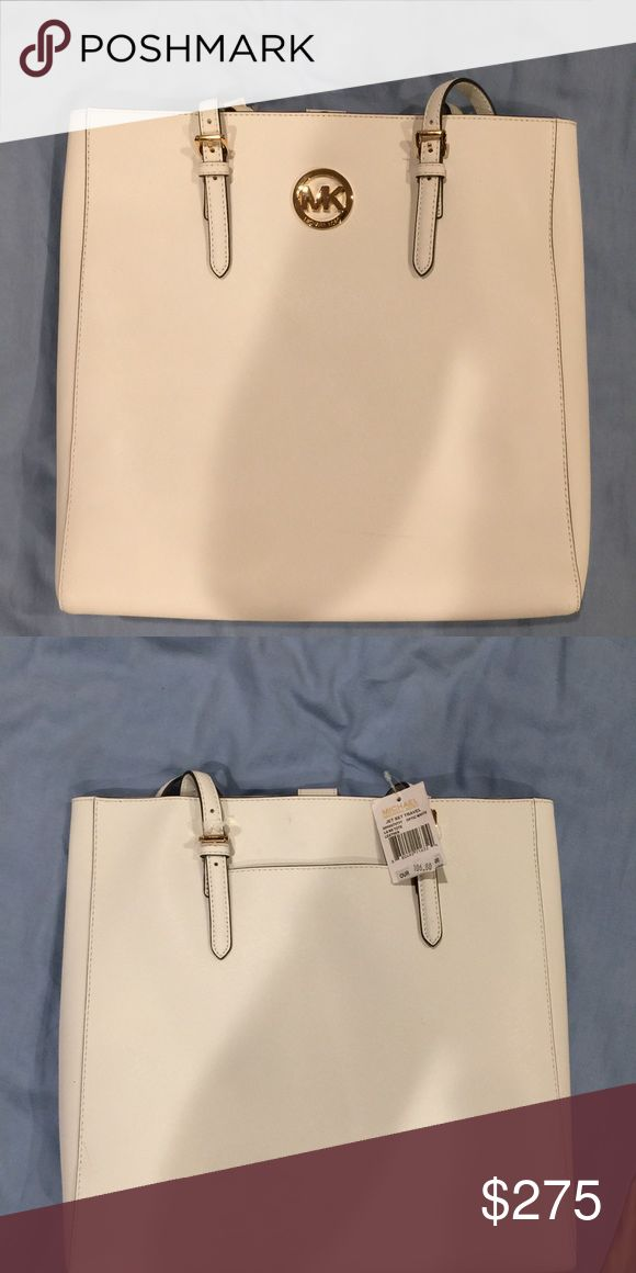 NEW MICHAEL KORS JET SET TRAVEL OPTIC WHITE NEW MICHAEL KORS JET SET TRAVEL OPTIC WHITE SAFFIANO LEATHER LARGE TOTE,HAND BAG Michael Kors Bags Totes